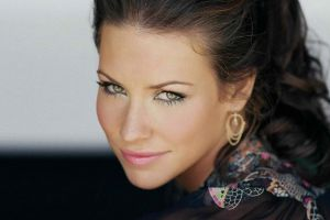 evangeline lilly jewelry looking at viewer women smiling green eyes brunette actress