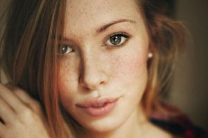 freckles face brunette face freckles redhead women freckles green eyes women blue eyes