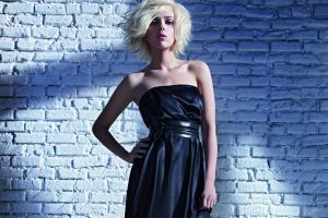 hands on hips blonde bare shoulders scarlett johansson women actress dress bricks