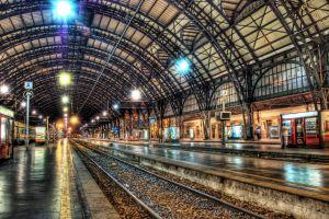 hdr railway train station