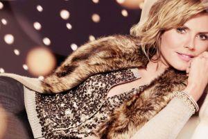 heidi klum model lying down sweater women blonde