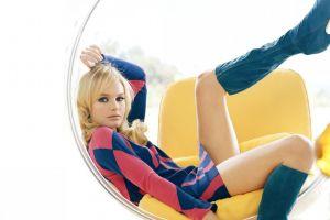 heterochromia dress legs women looking at viewer actress chair model kate bosworth