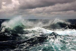 horizon splashes sea waves sky water clouds