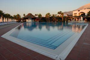 hotel building swimming pool