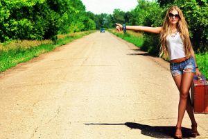 jean shorts women legs road model blonde