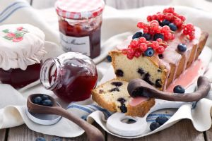 jelly food bread blueberries fruit