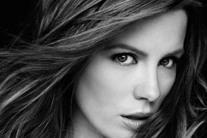 kate beckinsale women looking at viewer monochrome face brunette portrait celebrity actress