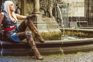 knee-high boots hoods women blonde muscular arm braces cleavage jessica nigri