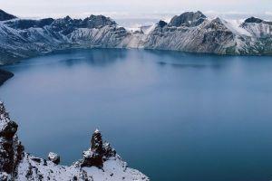 lake winter lake como mountains landscape