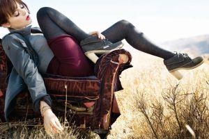 legs women chair emma stone actress
