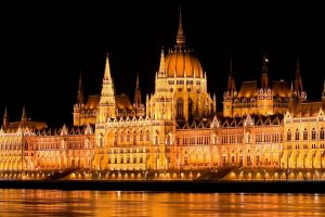 lights water night building budapest hungary hungarian parliament building architecture