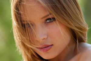 long hair hair in face face looking at viewer women alyssa branch green background