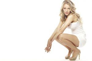 long hair kneeling blake lively model women celebrity simple background