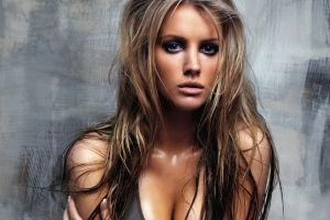 long hair women model tiffany mulheron