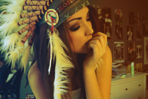 melanie iglesias feathers summer women portrait model brunette headdress