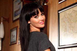 melissa clarke smiling model women