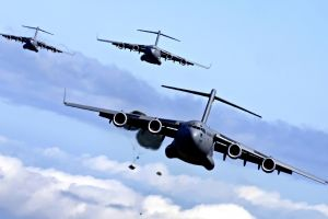 military aircraft jets boeing c-17 globemaster iii aircraft airplane military