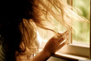 model women hands window sunlight hair