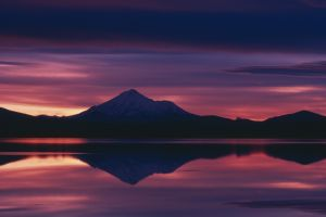 nature landscape california sunset mount shasta reflection calm lake sunlight sky mountains clouds