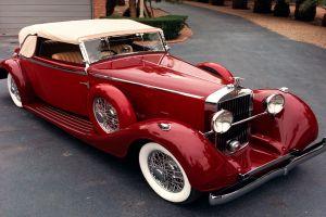 oldtimer red cars vintage
