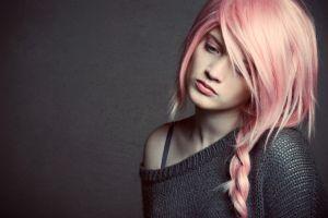 pink hair women model sad pink eyes