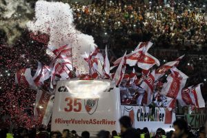 river plate fernando cavenaghi argentina soccer