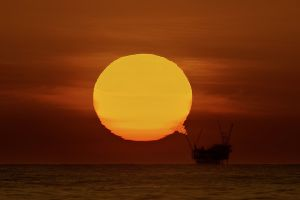 sea sunset sun oil rig horizon