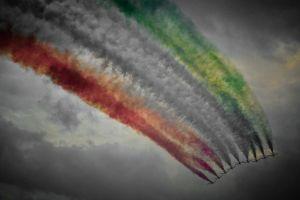 selective coloring contrails frecce tricolori aircraft airplane smoke