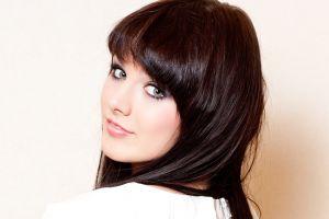 singer looking at viewer ewa farna brunette looking back women green eyes face polish women