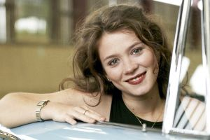 smiling hazel eyes car anna friel women brunette