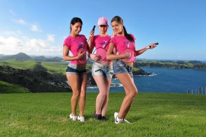 smiling shorts group of women jeans brunette pornstar lesbians women 2012 (year)