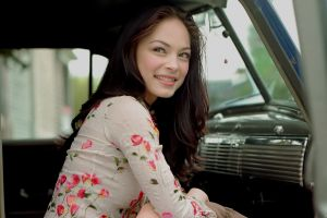 smiling women actress kristin kreuk car interior
