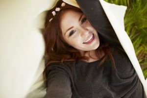 smiling women freckles women outdoors redhead model