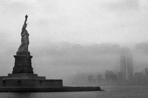 statue of liberty never forget cityscape usa city new york city twin towers monochrome