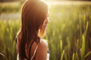 sunlight women brunette field