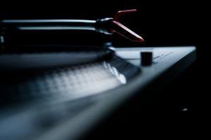 vinyl macro music