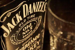 whiskey alcohol jack daniel's bottles
