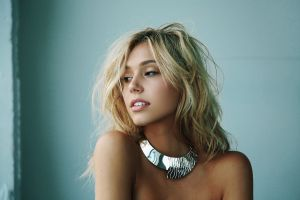 women alexis ren blonde