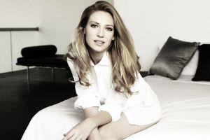 women anna torv actress blonde fringe (tv series)