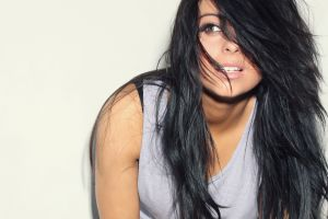 women black hair long hair model