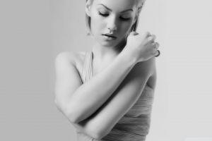 women blonde actress portrait elisha cuthbert monochrome simple background