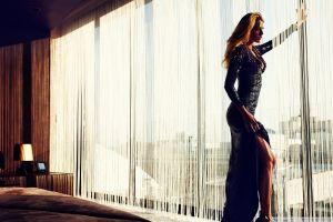 women blonde window legs blake lively dress