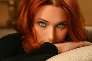 women green eyes redhead