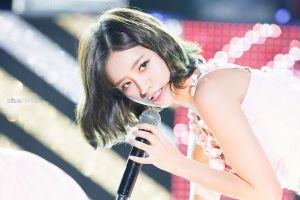 women k-pop asian girl's day singer model