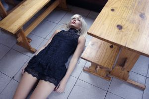 women model on the floor table wood blonde