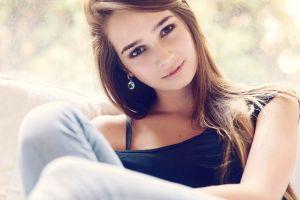 women model smiling brunette face
