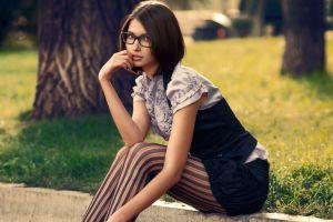 women model women outdoors brunette glasses