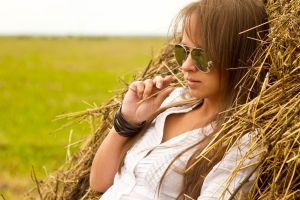 women outdoors bangles model women sunglasses hay women with glasses straw