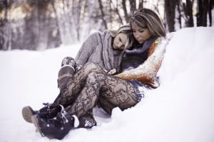 women snow sad