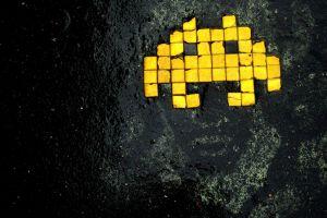 yellow digital art artwork video games retro games grunge wet street black space invaders macro
